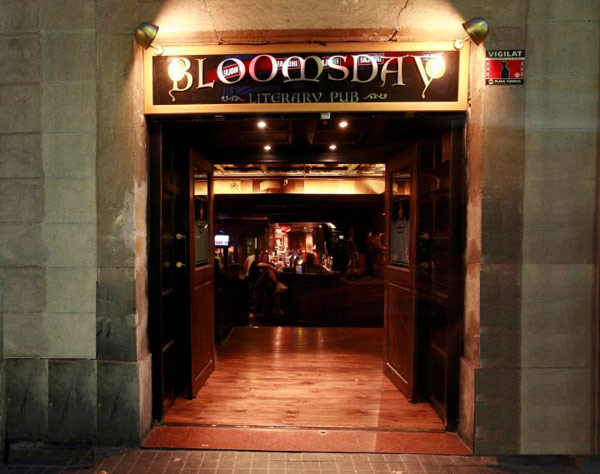 Entrada a Bloomsday Irish Pub